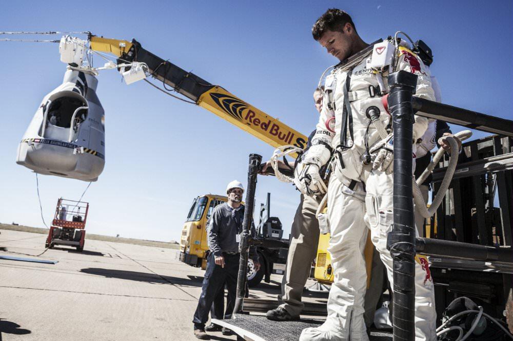 astronauta caminhando